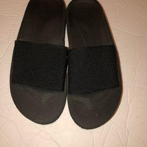 LL bean women black slip on slides sandals 9